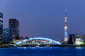 Beutiful view of Tokyo Skyline and Sumida Reiver in the evening