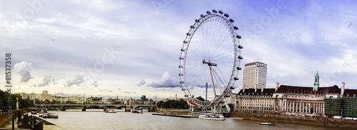 widok na London Eye and the City, Tamizę, Londyn, Wielka Brytania, E
