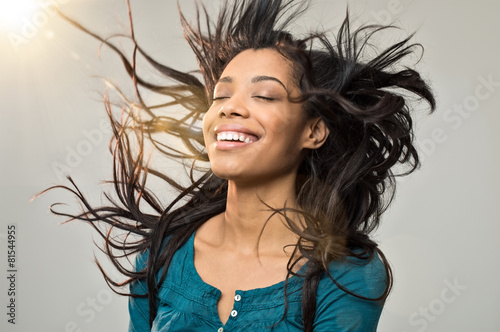 Aluminium Kapsalon Joyful woman with hairstyle
