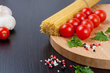 spaghetti, spices and herbs
