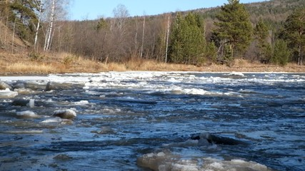 Ледоход на реке Юрюзань