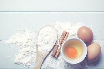 huevos con harina y canela