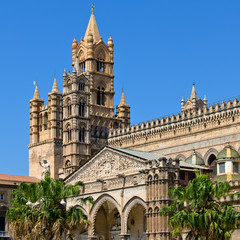 L'entrata della Cattedrale di Palermo