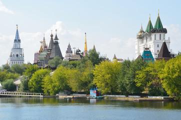 Измайловский кремль и Серебряно-Виноградный пруд, Москва