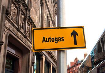 Strassenschild 44 - Autogas
