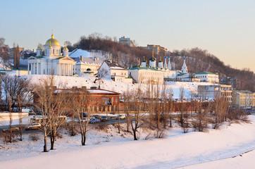 Благовещенский мужской монастырь в Нижнем Новгороде в сумерки
