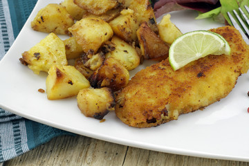 pommes de terre et poisson pané