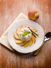 vanilla pudding with peach