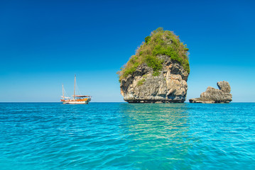 Sunny Nui Bay Beach, Camel rock view, Thailand, Ko Phi Phi Don,