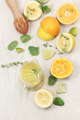 Preparing homemade lemonade