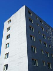 graues wohnhochhaus berlin