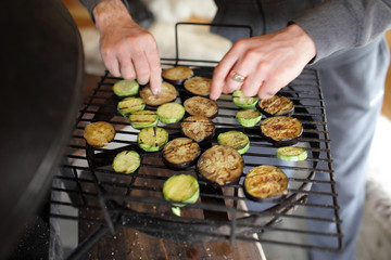 Cooking of vegetables on the grill