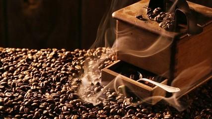 Coffee Grinder with freshly milled grains