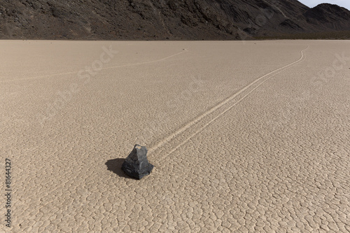 Sailing Stone of Death Valley National Park - 81644327