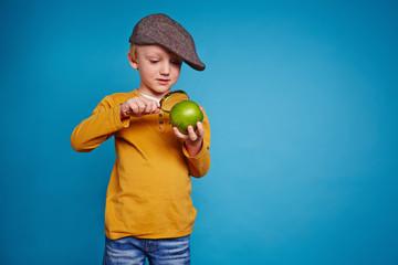 Studying apple