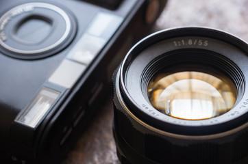 コンパクトカメラとレンズ