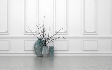 Blumen Dekoration mit Vasen steht vor weißer Holzverkleidung