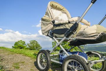 Naturgenuß im Kinderwagen