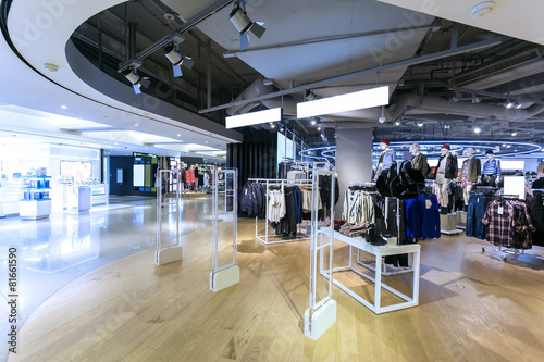 fashion clothes shopfront in shopping mall - 81661590