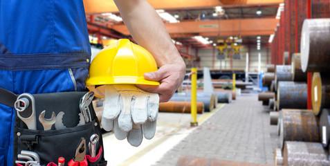 Detail Arbeiter in der Industrie // Engineering