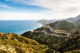 Serpentinen Straße an der Küste bei Mojacar Andalusien