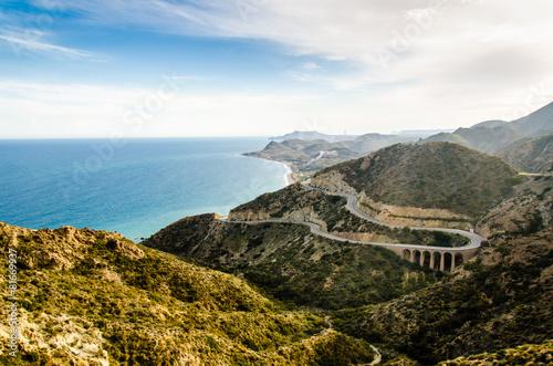 Serpentinen Straße an der Küste bei Mojacar Andalusien - 81669937