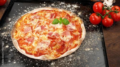 Pizza Schinken - 81678382