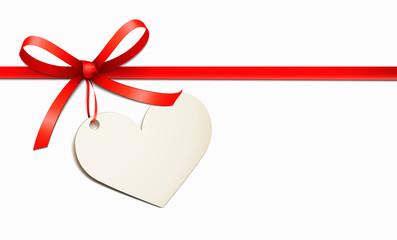Rotes Schleifenband mit Herz Etikett