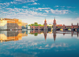 Fototapety Oberbaumbruecke Berlin Summer with Reflection and Clouds