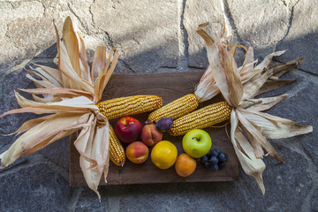 Fruit basket and cobs