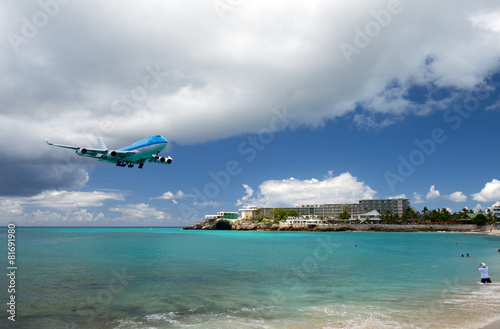 Fotobehang Caraïben Landing at Princess Juliana international airport, Sint Maarten
