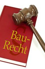 Richterhammer mit Buch und Baurecht