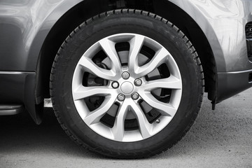Modern automotive wheel on light alloy disc