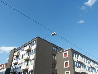 Moderner Wohnkomplex an einer Straßenkreuzung in Bielefeld