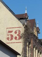 Altbau mit Hausnummer 53 in der Heeper Straße in Bielefeld