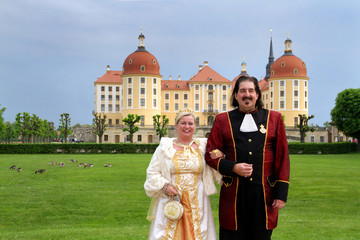 Prunkvolles Paar auf Schloss Moritzbung
