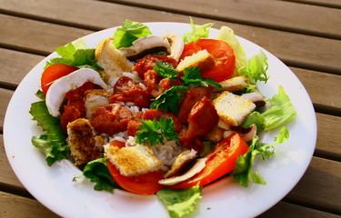 salade de gésiers,tomate,champignons et croutons