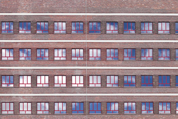 Hochhaus Fensterfront Himmel © Matthias Buehner