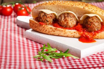 Meatballs, bread and cheese
