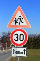 Achtung Schule - Geschwindigkeit 30