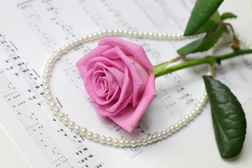 rose&pearl necklace