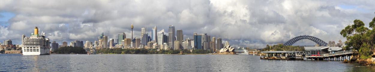 Sydney CBD Tele Pan cruise 2 ships