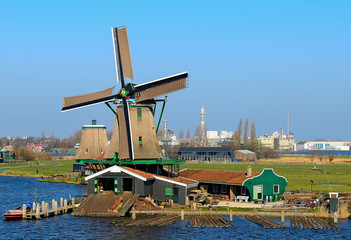 Picturesque existing mill in the village of Zaanse Schans