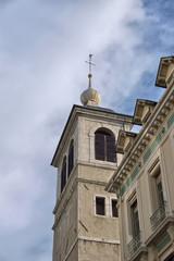 clocher au centre ville à Chambéry dans les alpes