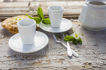 cups and sugar bowl