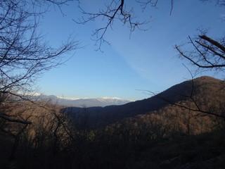 Горный пейзаж ранней весной