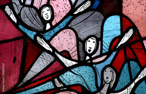 Singing angels in stained glass - 81824367