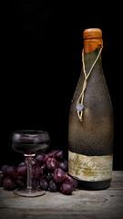 Rotweinflasche alt
