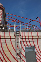 échelle incendie sur une façade