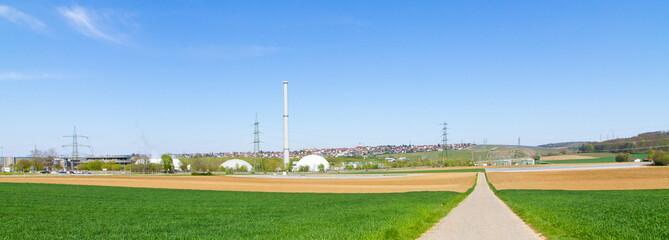 Kernkraftwerk Neckarwestheim mit Landschaft